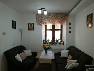 Apartament 3 camere la casa de vanzare zona Centrala
