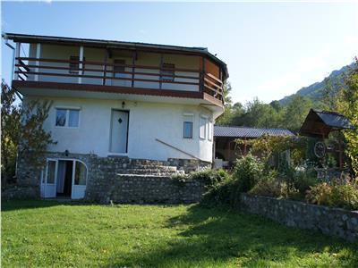 Casa vacanta de vanzare pe Valea Moasei judetul Sibiu