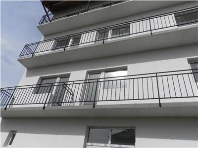 Apartament 3 camere de vanzare in Sura Mica