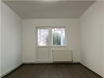 Apartament 3 camere de vanzare in Sibiu zona Terezian
